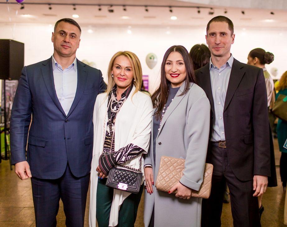 Супруга Дениса Силантьева Инна устроила праздник для детей
