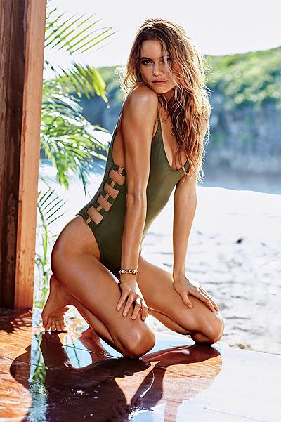 Сексуальные ангелы Victoria's Secret снялись в горячей фотосессии на пляже