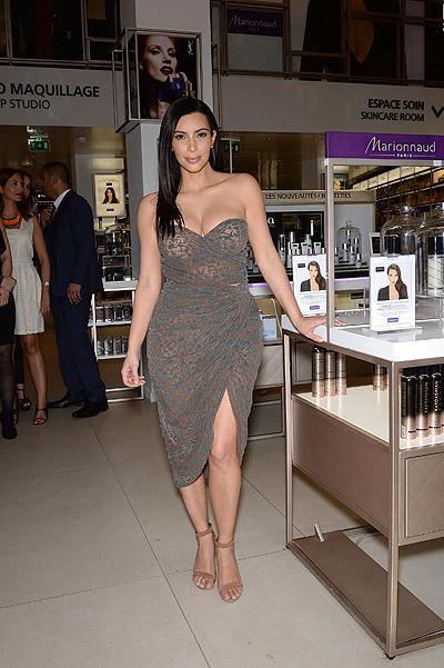 Ким Кардашьян представила собственную линию косметики