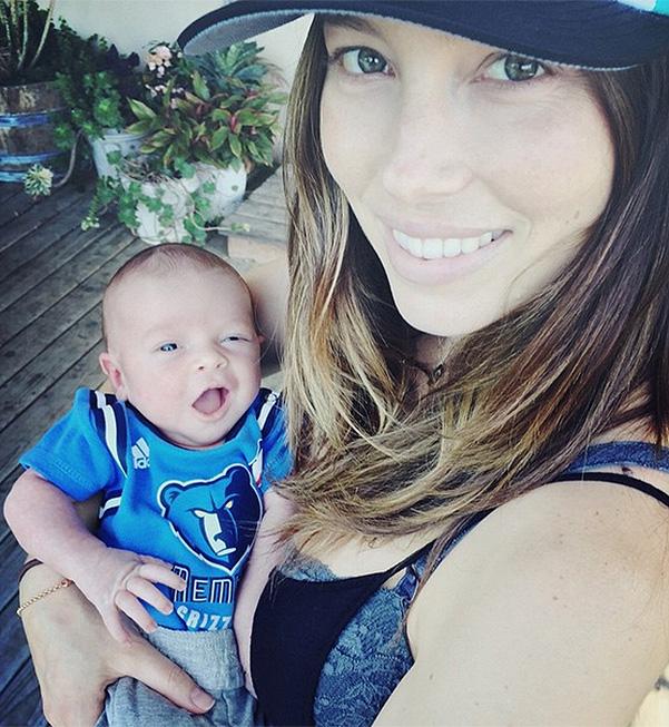 Джастин Тимберлейк и Джессика Бил впервые показали новорожденного сына