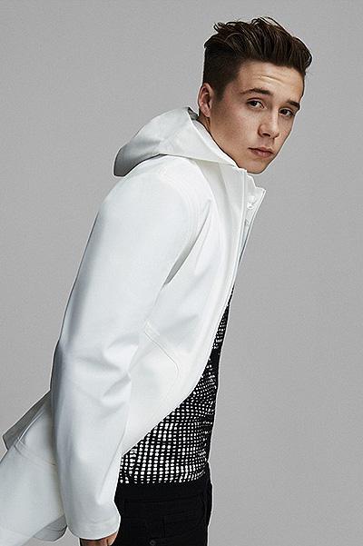 Бруклин Бекхэм блистает на обложке модного глянца