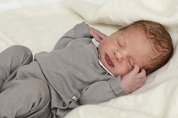 Принцесса Швеции Мадлен впервые показала новорожденного сына