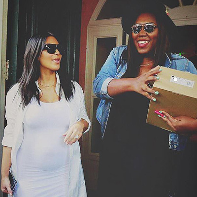 Беременная Ким Кардашьян посетила день рождение своей фанатки