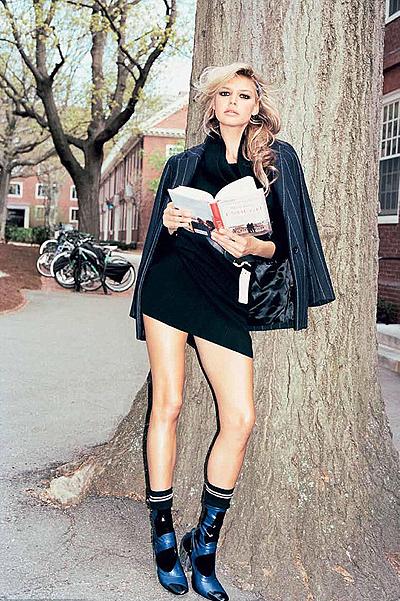 25-летняя возлюбленная Леонардо Ди Каприо снялась в откровенной фотосессии для глянца