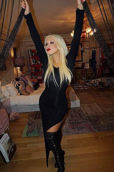 Кристина Агилера поделилась яркими снимками со своего 35-летия