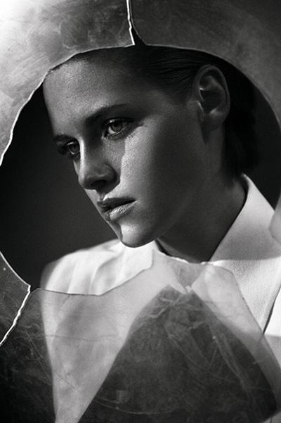 Элегантная Кристен Стюарт украсила обложку французского глянца