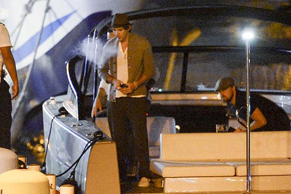 Неожиданно: Леонардо ДиКаприо проводит праздники без Келли Рорбах