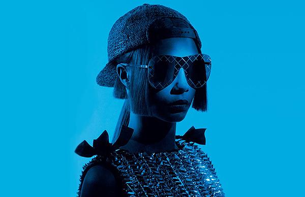 Вновь в строю: стильная Кара Делевинь блистает в новой рекламе Chanel