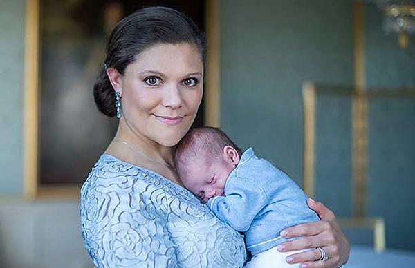 Невероятно трогательно: принцесса Швеции Виктория поделилась новыми фото сына и дочери