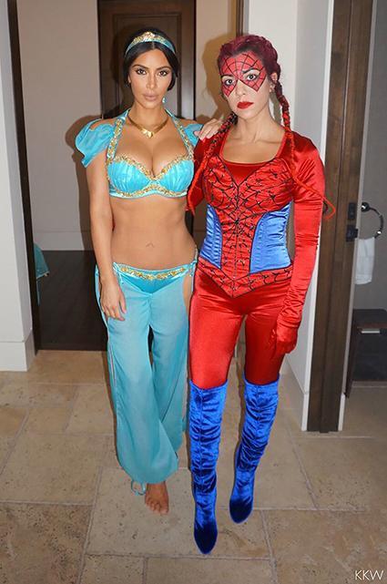 Соблазнительная принцесса: Ким Кардашьян опубликовала фото с Хэллоуина