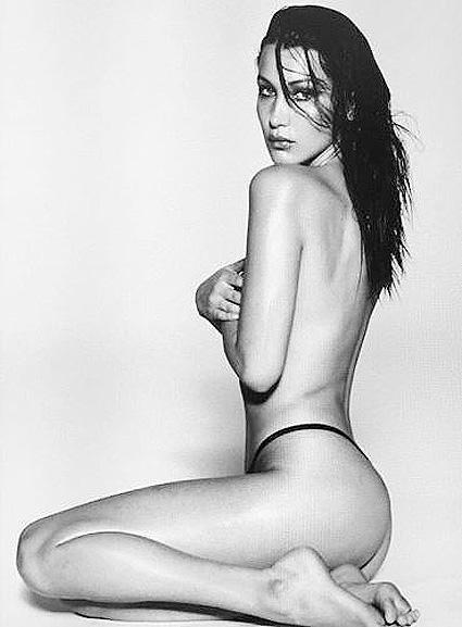 Сексуальная Белла Хадид опубликовала фото топлес