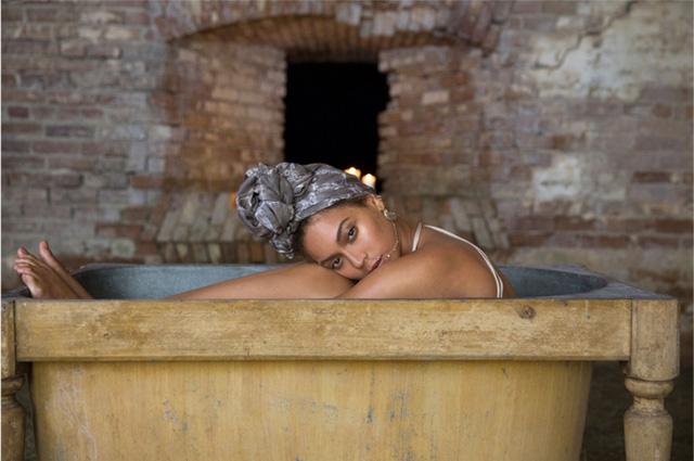 Творческое закулисье: Бейонсе показала, как снимались клипы на песни из альбома Lemonade