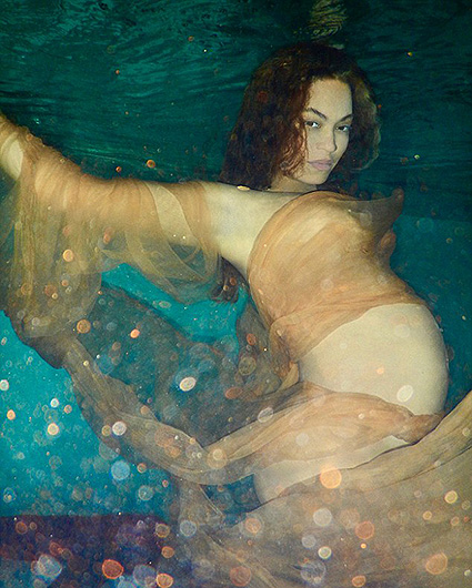 Обнаженная красота: беременная Бейонсе снялась полностью голой