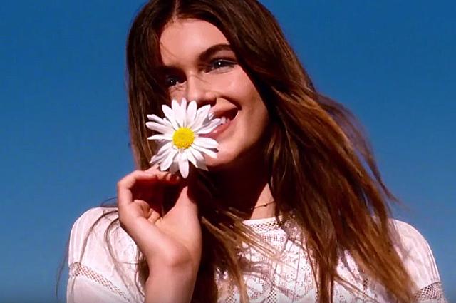 Нежный цветок: 15-летняя Кайя Гербер завораживает в рекламном ролике бренда Marc Jacobs