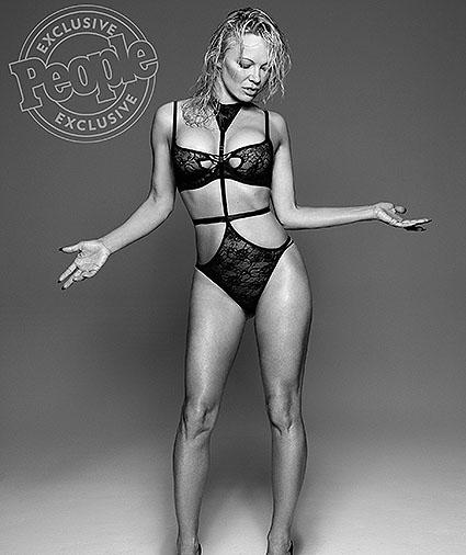 Памела Андерсон обнажилась в эксклюзивной фотосессии для People