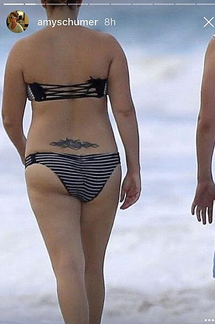 Эми Шумер опубликовала фото в купальнике и резко ответила всем хейтерам