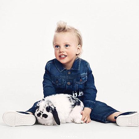 Звездные мамочки Лив Тайлер, Кэндис Свейнпол и Коко Роша снялись в потрясающей рекламе со своими детьми