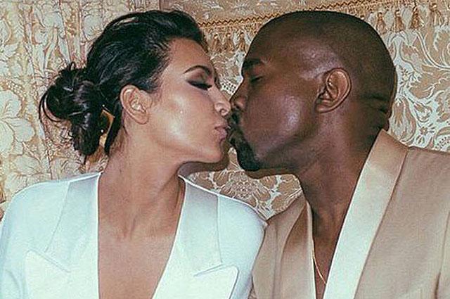 Ким Кардашьян поделилась уникальными фото в свадебном платье и поздравила Канье Уэста с годовщиной