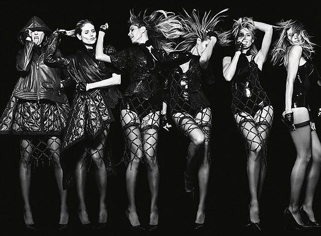 Долой одежду: Хайди Клум снялась в фотосессии полностью голой