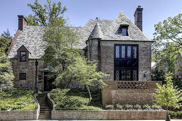 На смену Белому дому: Барак и Мишель Обама купили особняк в Вашингтоне за 8,1 миллионов долларов