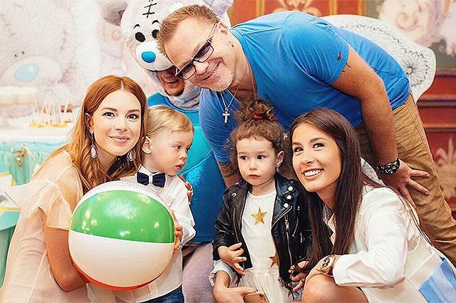 Владимир Пресняков и Наталья Подольская пышно отпраздновали 2-летие сына Артемия