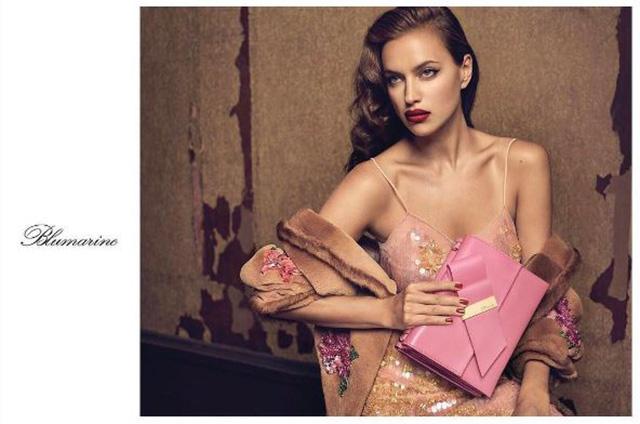 Чувственно и стильно: Ирина Шейк снялась в первой рекламной кампании после рождения дочери