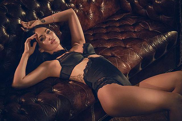 Меган Фокс снялась в сексуальной фотосессии в нижнем белье