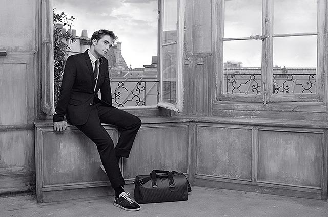 Самый стильный мужчина: Роберт Паттинсон завораживает в новой фотосессии