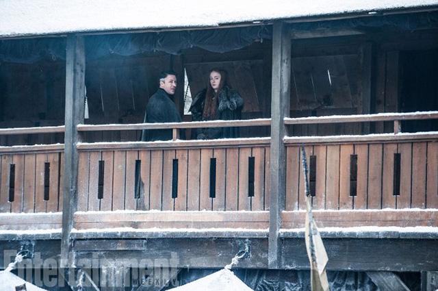 """Эмилия Кларк, Мэйси Уильямс, Кит Харингтон: сеть взорвали кадры нового сезона """"Игры престолов"""""""