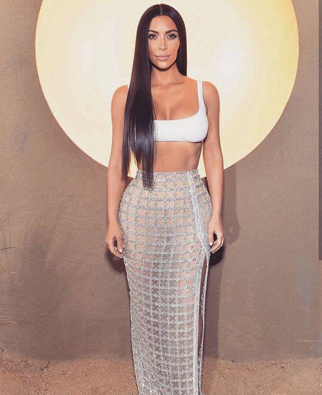 Королева коротких топов: самый сексуальный и любимый элемент одежды Ким Кардашьян