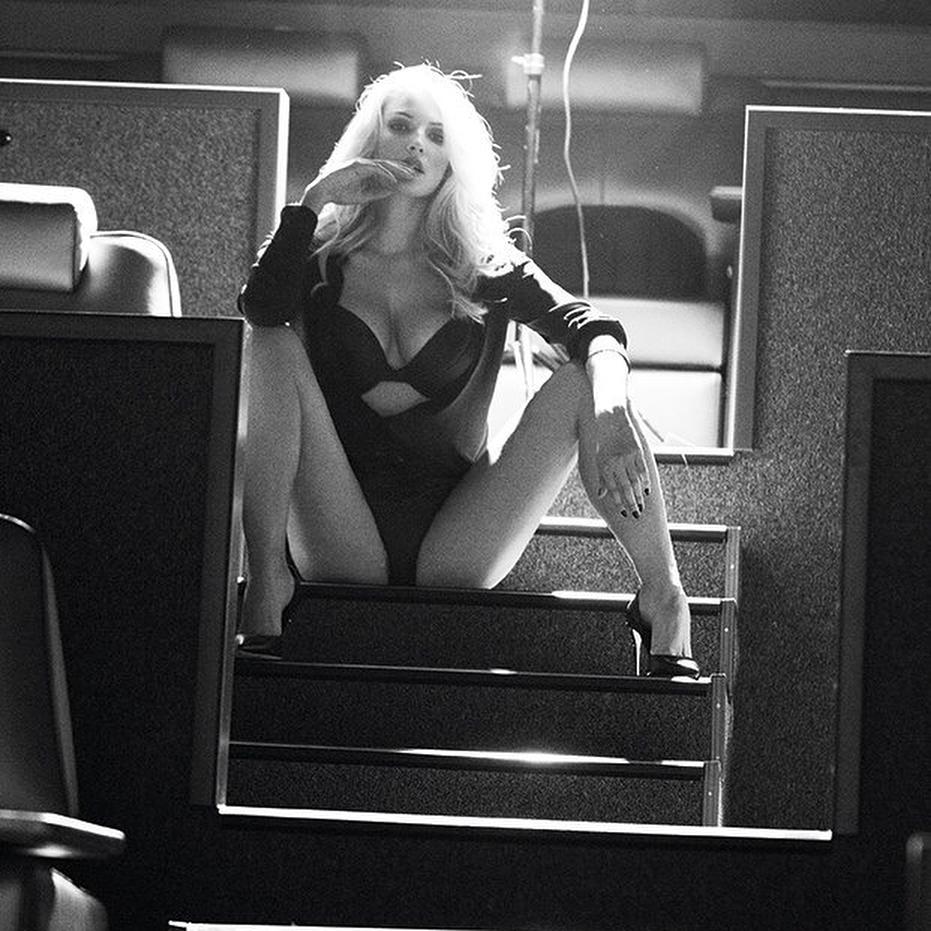 """Экс-участница """"ВИА Гры"""" Татьяна Котова опубликовала пикантное фото в постели"""