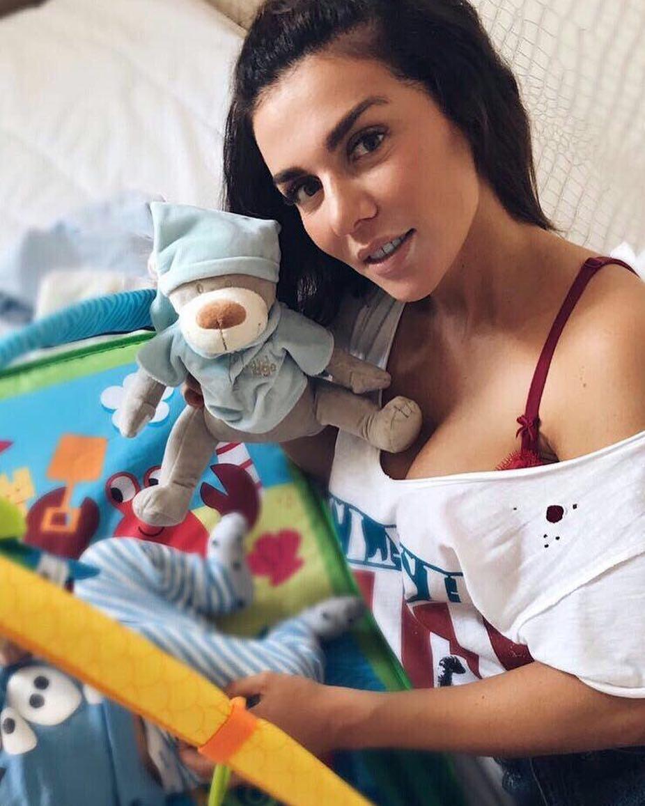 Анна Седокова показала подросшего сына Гектора