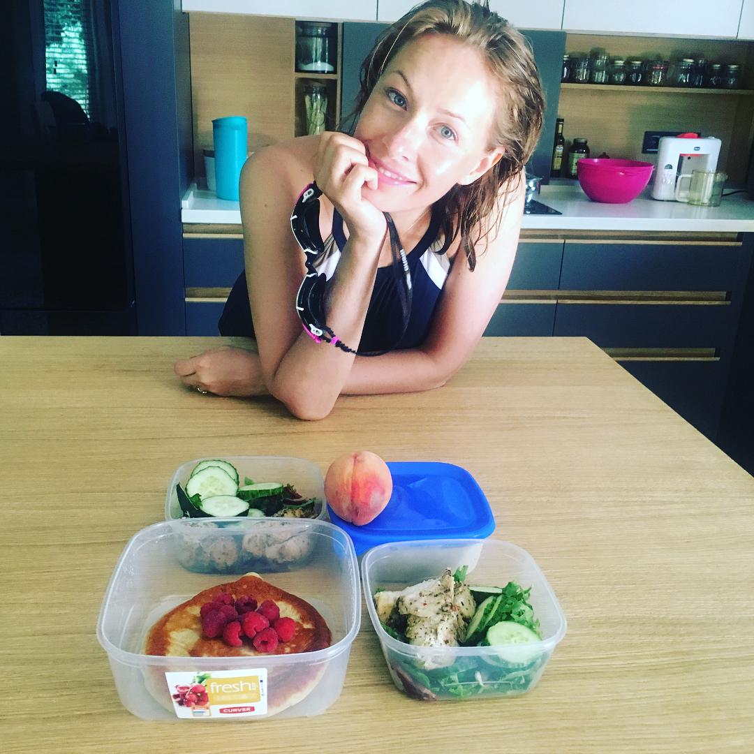 Рацион молодой мамы: Елена Кравец показала,чем питается весь день