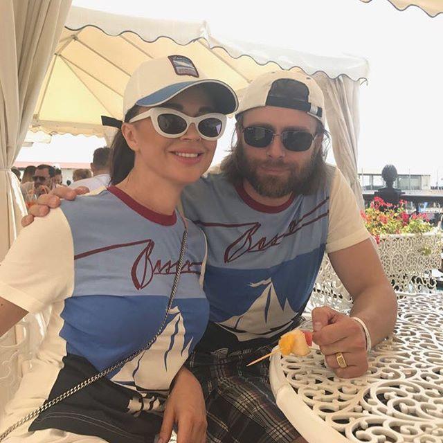 Анастасия Заворотнюк и ее муж устроили себе роскошный отдых в Турции