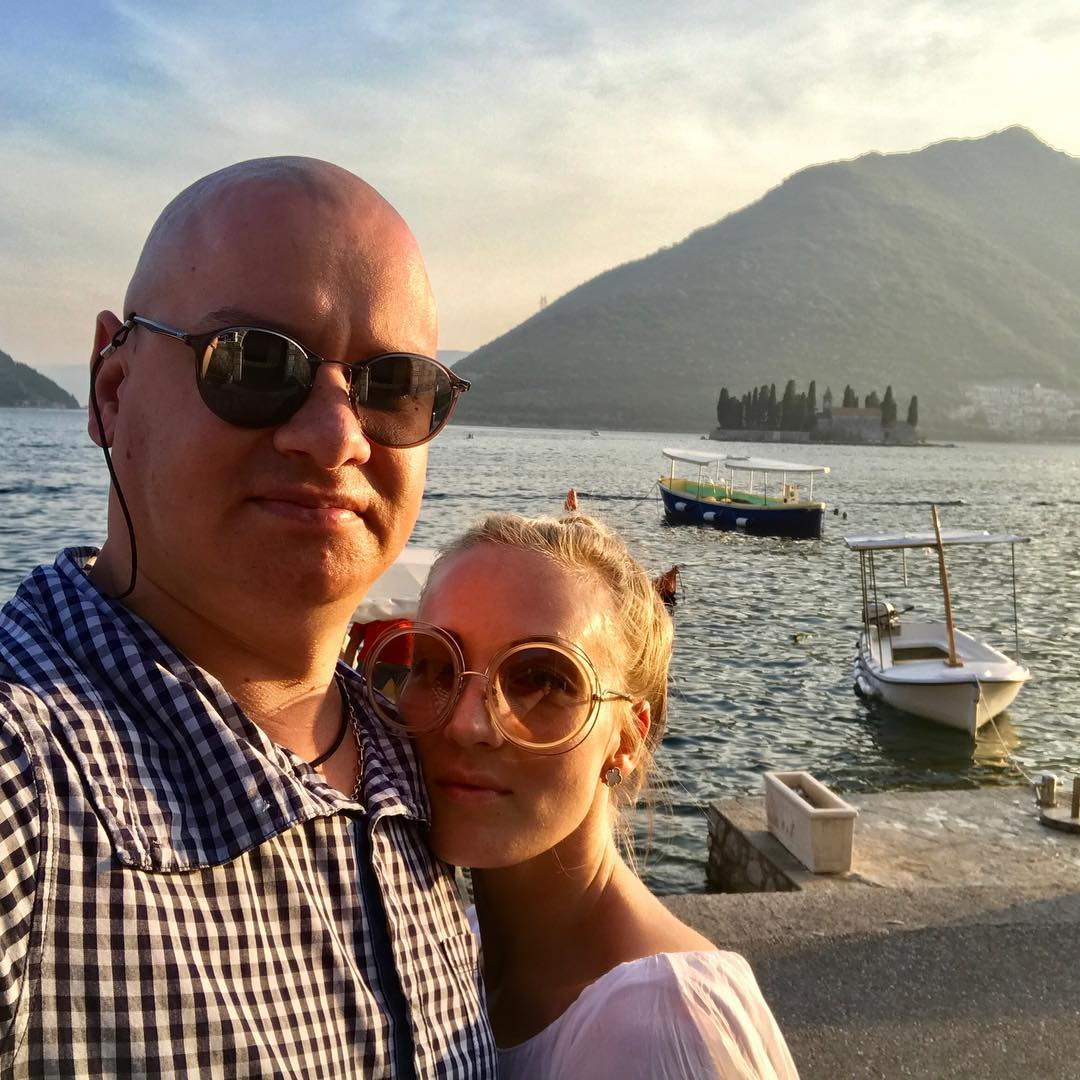 Евгений Кошевой и его жена обвенчались в Черногории