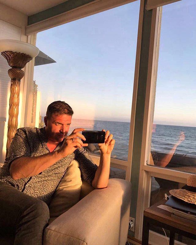 Что случилось с мужем Ксении Собчак? В сети обсуждают резкое похудение Максима Виторгана