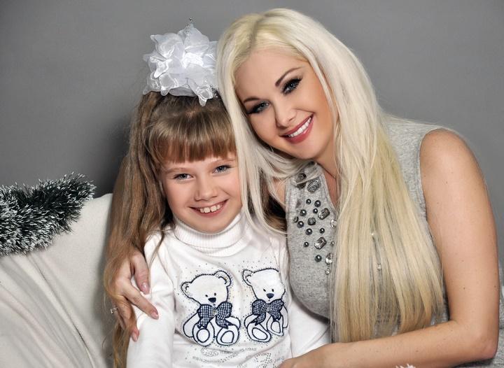Катя Бужинская, ее дочь Лена