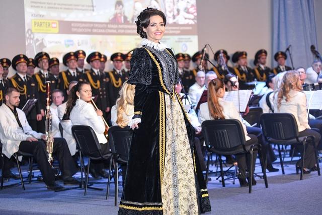 Влада Литовченко собрала украинских звезд на своем киноконцерте