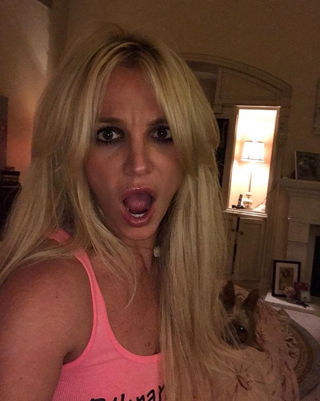 Поклонники раскритиковали новый сценический наряд Бритни Спирс
