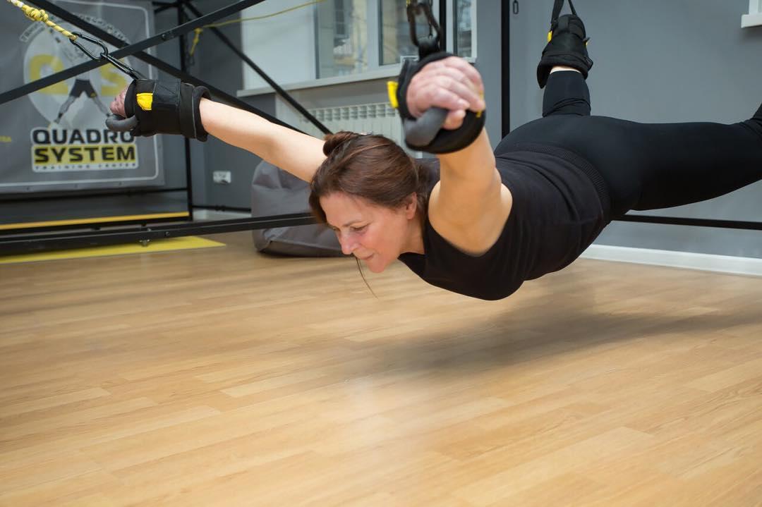 69-летняя Нина Матвиенко удивила занятиями на тросах в спортивном зале