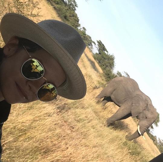 Особенное время: Дэвид Бекхэм опубликовал серию счастливых фото с детьми во время путешествия по Африке