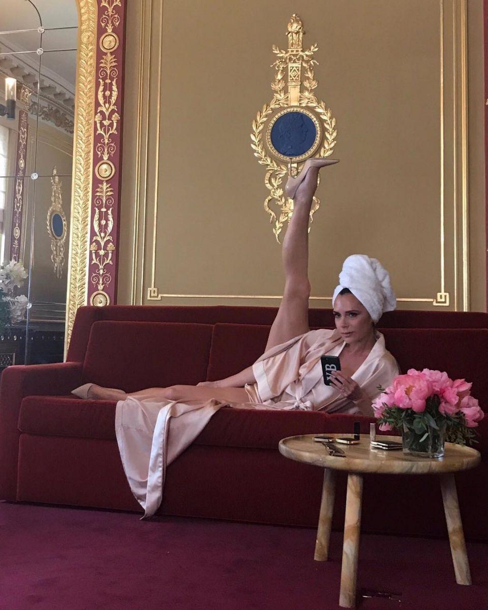 У кого лучше: Леся Никитюк присоединилась к флэшмобу Виктртории Бекхэм и показала идеальный шпагат