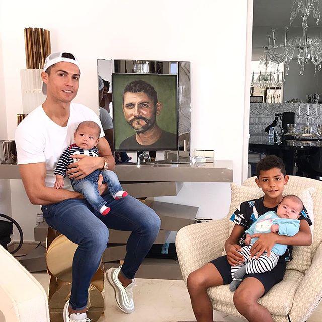 Криштиану Роналду впервые показал отца