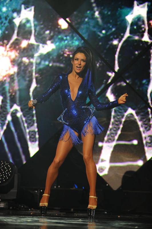 Злата Огневич с синими волосами и в сексуальном боди на церемонии Yuna-2016