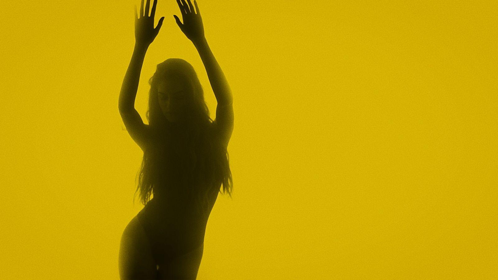 Мокрая девочка танцует: Мисс Украина-2016 Александра Кучеренко показала фигуру в купальнике