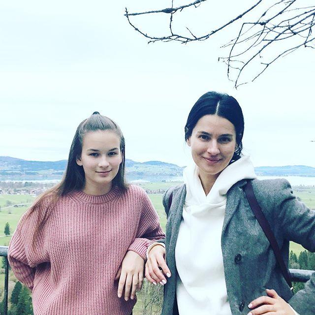Каникулы на двоих: Маша Ефросинина уехала с дочкой в Германию