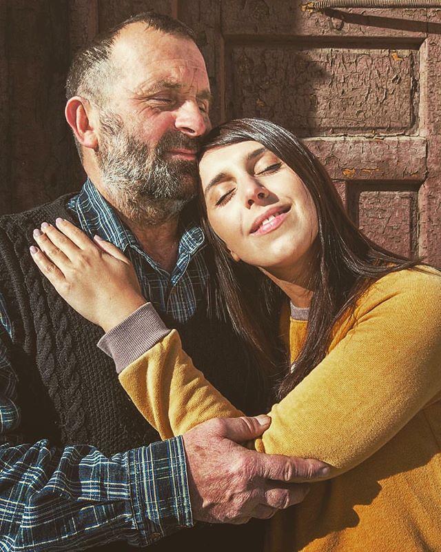 Семья - это все: Джамала поделилась редким фото с отцом