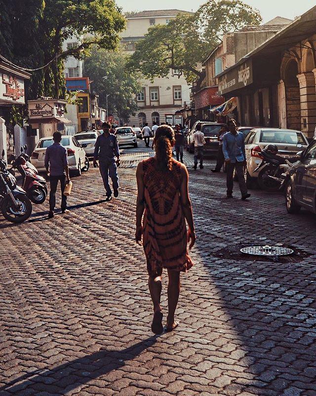 В поисках покоя: Холли Берри поделилась яркими фото с Индии