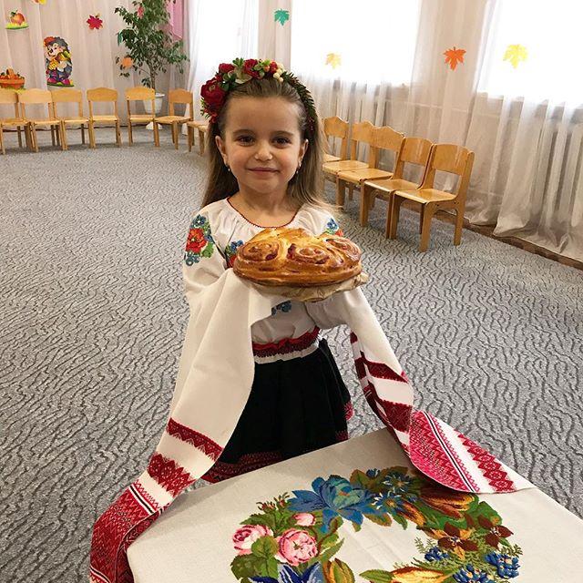 Маленькая украиночка: Лилия Ребрик поделилась умилительным фото дочери