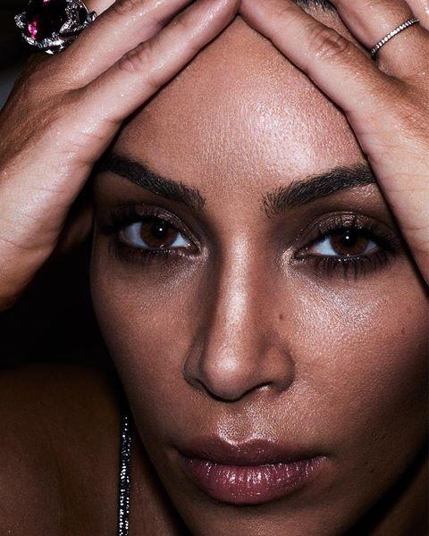 Ким Кардашьян снялась в провокационной фотосессии для глянца